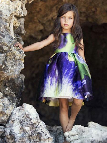مدل لباس بچه گانه, لباس بچه گانه اُسکار دو لا رنتا